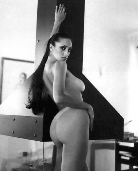 Noni Dounia Nude 6