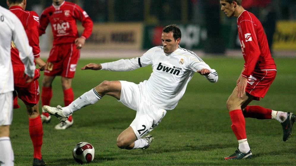Η διπλή ζωή ενός ποδοσφαιριστή: την ημέρα στο γήπεδο, το βράδυ παιδόφιλος