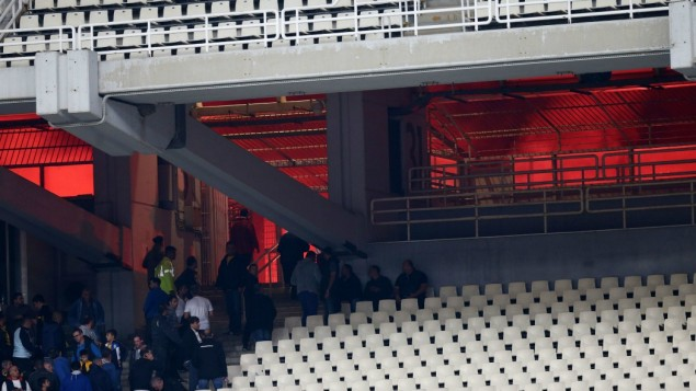 Έκθεση ΕΛ.ΑΣ: «Επίθεση 300 οπαδών της ΑΕΚ με πέτρες, μάρμαρα και μολότοφ στους αστυνομικούς»